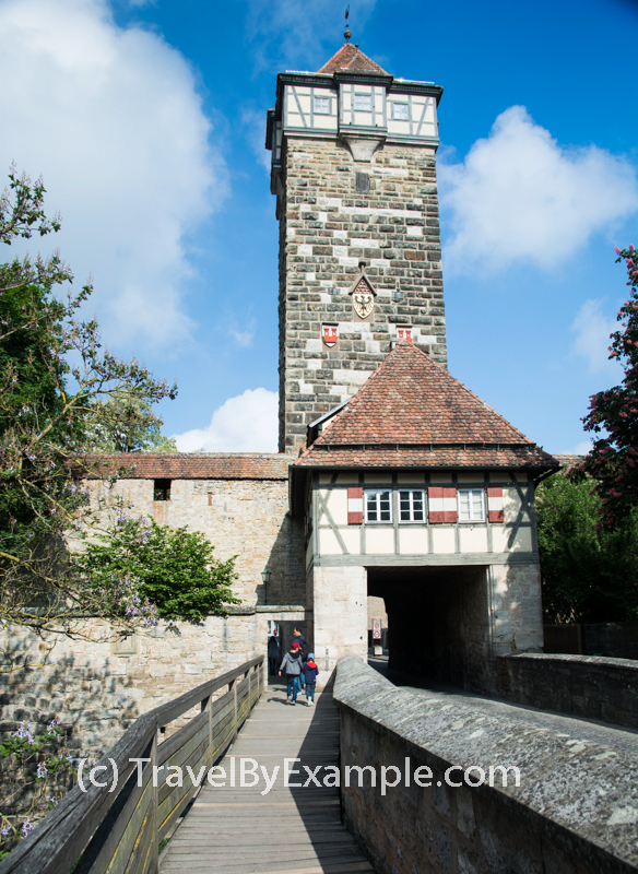 Entering the old town via Röder city gate and tower